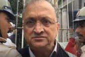 चर्चित इतिहासकार रामचंद्र गुहा