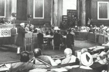 संविधान सभा में जवाहर लाल नेहरू