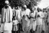 जब त्यौहार एक-दूसरे को चिढ़ाने का माध्यम बन रहे हों तब गांधी को याद करना और भी जरूरी है